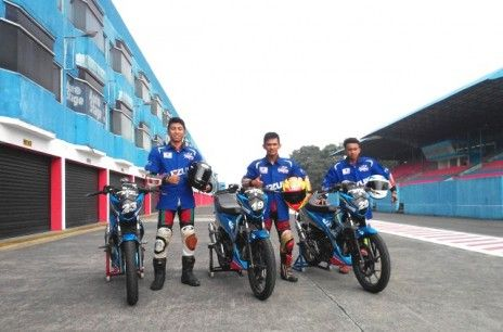 Kemarin, Senin (29/6), 3 pebalap Indonesia memasuki tahap latihan di Sentul, Bogor, Jawa Barat. Mereka berlatih agar dapat dikirim ke pentas balap Suzuki Asian Challenge (SAC)–ARRC 2015.