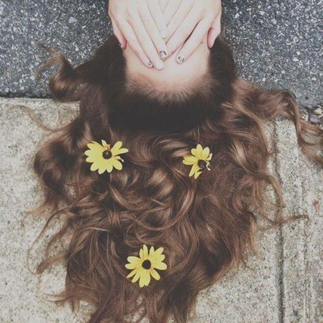 Ideias de fotos com flores no cabelo