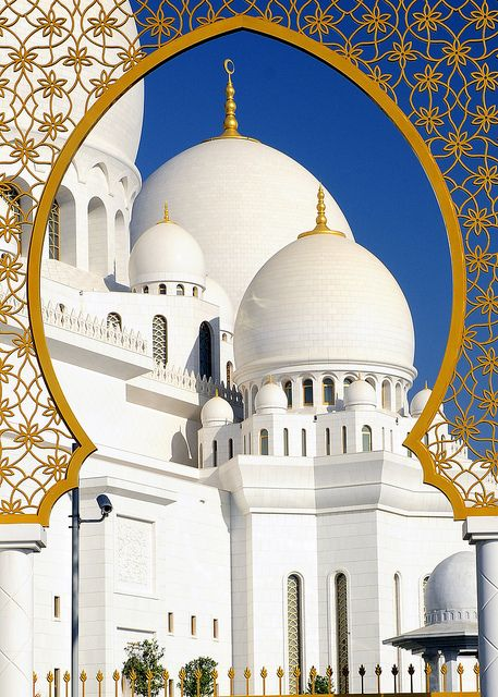 uncommonjones:  Sheikh Zayed Grand Mosque from the gate by M. Khatib on Flickr. Abu Dhabi, UAE