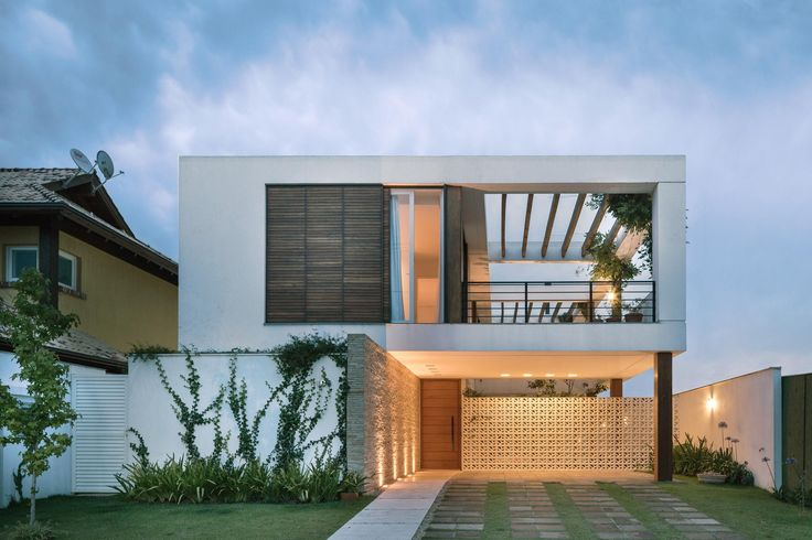 Image 10 of 18 from gallery of Terraville House / AT Arquitetura. Photograph by Marcelo Donadussi