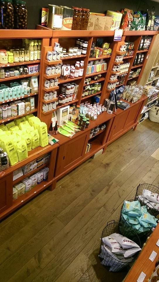 Winkelier in het zonnetje: ZONNIG ZUID DELICATESSEN & INGREDIËNTEN in Schagen Puur, lekker en verantwoord eten, dat is waar wij bij Zonnig Zuid van houden. U proeft onze liefde voor eten. Krijgt u ook altijd dat speciale gevoel als u een delicatessenzaak binnenloopt?   http://www.bommelsconserven.nl/verkooppunten_bommels_conserven/delicatessenwinkel_zonnig_zuid_in_schagen.html