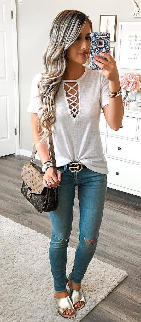#summer #outfits My Fav Lace Up Tee Is Back In Stock & It's On Sale For ONLY $19!! I'm Wearing An XS! I Also Found An Identical Style Of Jeans On Sale For Only $32!