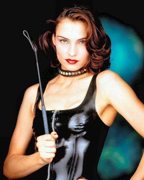 73 Besten Avengers Bilder Auf Pinterest: 17 Best Images About Actress In Latex On Pinterest