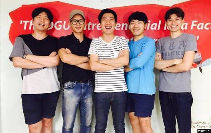 뇌졸증 할머니 위해 '손떨림 방지' 숟가락 만든 대학생들 #korea #insight