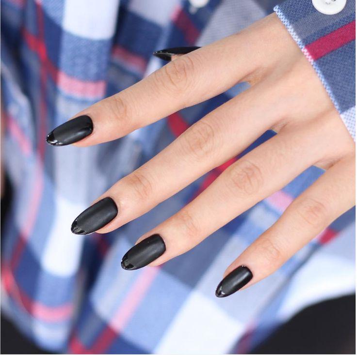 Matta naglar är höstens stora skönhetstrend – Metro Mode