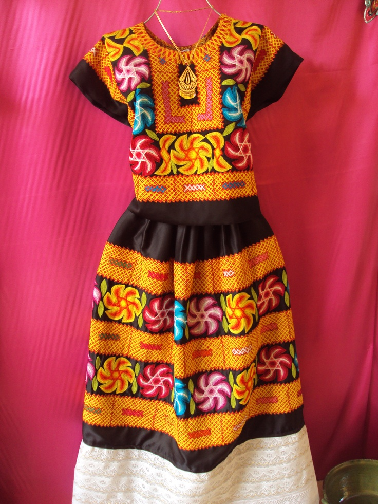 Traje de Tehuana. Ive seen little old ladies in mexico look stunning in these dresses so I know they truly do flatter everyone.