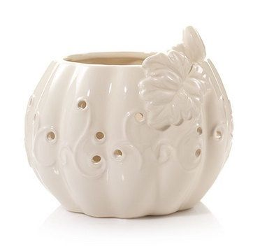 Yankee Candle Fall/Holiday 2016 - Burnished Pumpkins Lacy Ceramic Pumpkin - A classic look with a modern twist, this holder will fit into nearly any décor. Holds all Jar, Tumbler, Perfect Pillar™ and Vase candles www.lambertpaint.com