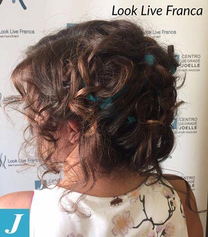#centrodegraèjoelle #looklive #parrucchierafranca #colorare #passione #cdj #newlook #curl #acconciare #capelli #ragusa #viadeimirti29 #verde #wedding #brother #sister