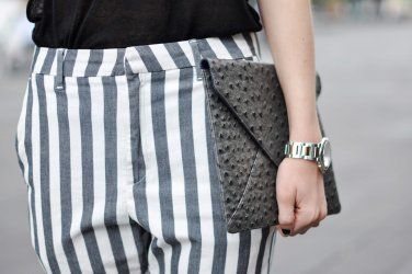 Close up! iPad Clutch styled by Kelly from We Heart Fashion!