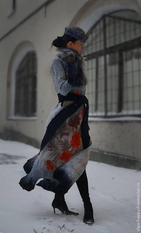 Купить Авторская ручная работа Валяное пальто Ветка рябины - серый, рисунок, войлок