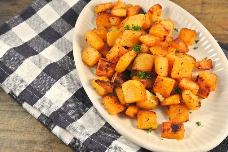 Kruidige aardappeltjes met zelfgemaakte cajun kruiden || aardappels / kruidenmix: oregano, tijm, paprikapoeder, chilipoeder, suiker, komijn, knoflookpoeder, uienpoeder, olijfolie, peper en zout (blijft lang goed)