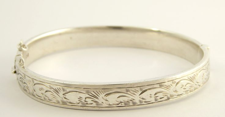 Vintage Hallmarked Sterling Silver Bangle - The Collectors Bag