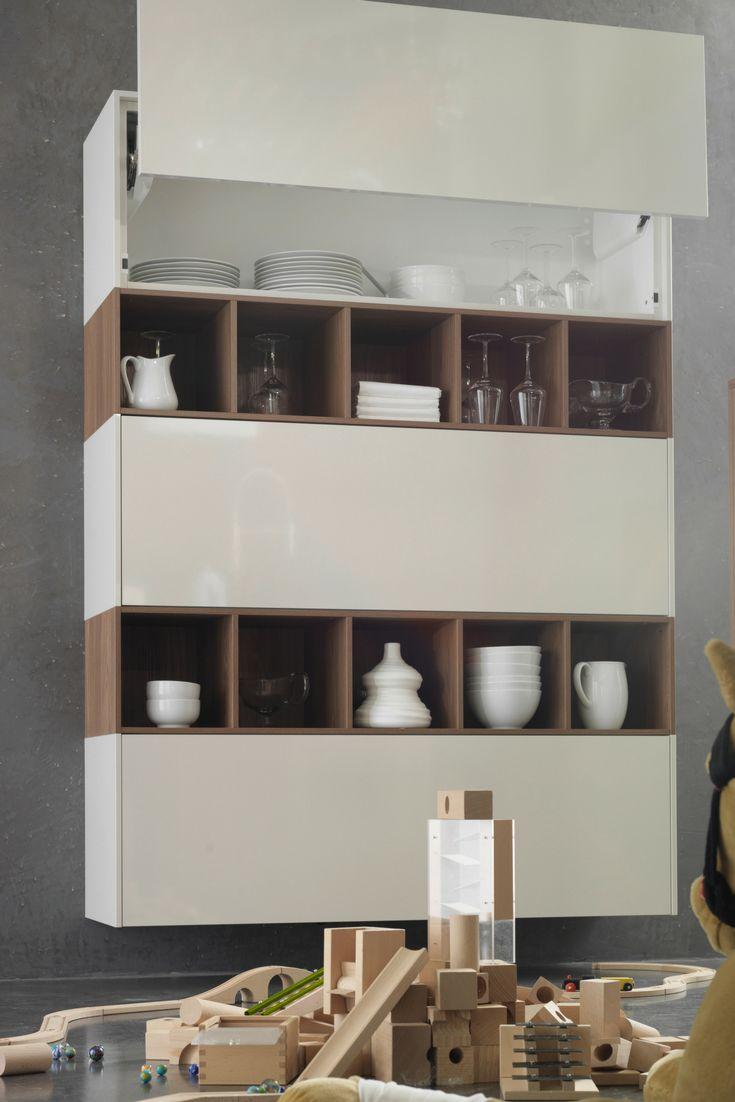 Küchenschrank, Schrank, Schränke, Küche, Schranksystem, weiß, magnolie, magnolia, beige, hochglanz, Holz, Eiche; Foto: rational