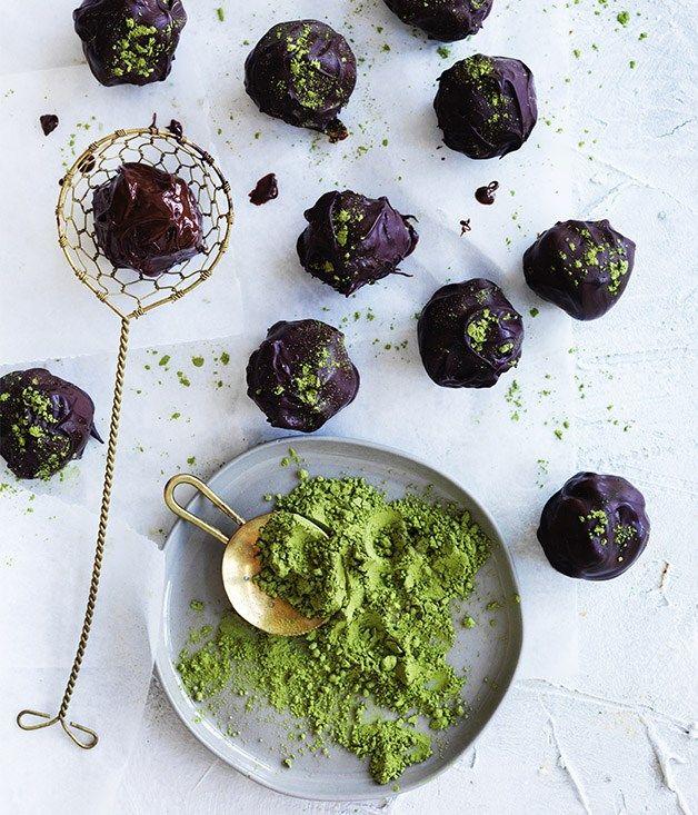 Dark chocolate-matcha truffles