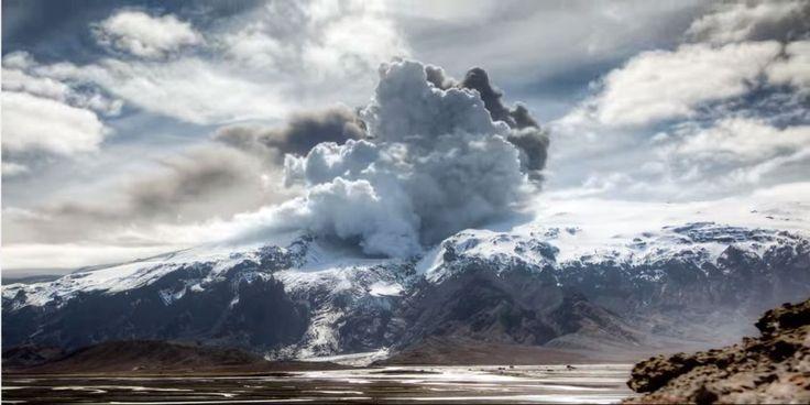 Эйяфьядлайёкюдль — это подледный вулкан в Исландии высотой 1 666 метров и с толщиной льда на вершине более 200 метров. Диаметр вулканического кратера 3×4 километра, он включает в себя не…