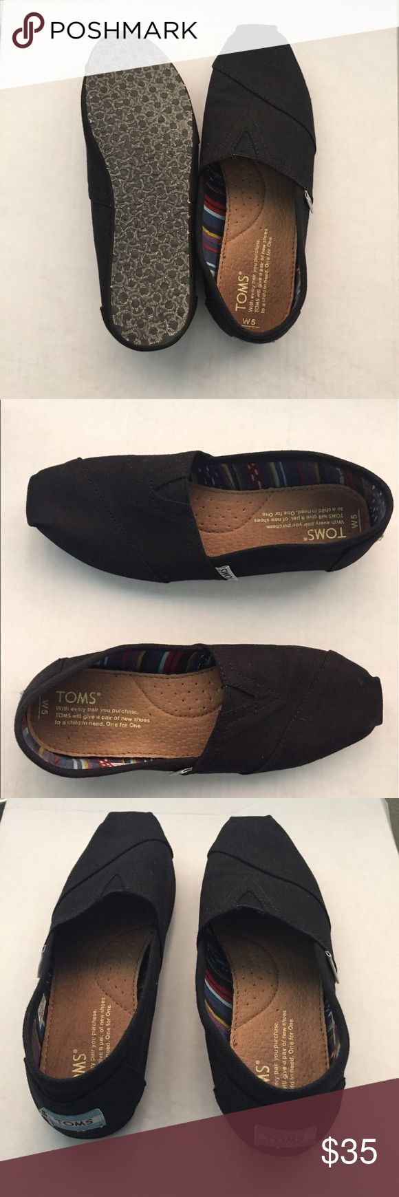 Black Toms all black Classic Toms Women's size 5. great condition, no signs of wear. ask any questions& feel free to offer! Toms Shoes Flats & Loafers