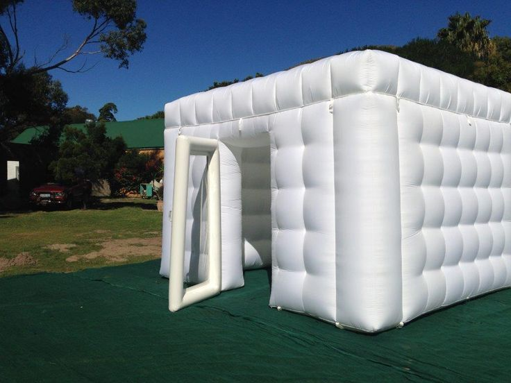 4m x 4m 'Cubette' complete with clear door in AirSeal pressurised frame
