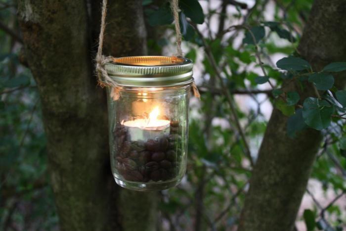 Easy DIY: Mason Jar Lantern