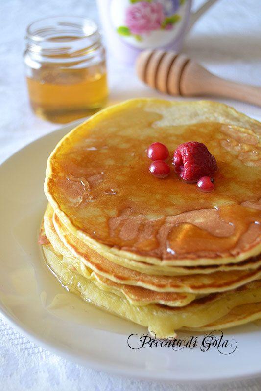 I pancakes con pasta madre, l'alternativa perfetta per chi non preferisce utilizzare lievito chimico nei dolci perché questi, si sa, creano dipendenza.