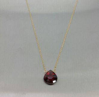 Garnet Quartz Necklace (10x10mm)