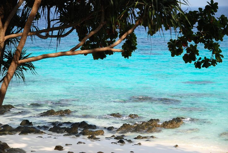 Har du börjat tröttna på de klassiska sommarsemestrarna i Europa och är redo att vidga dina vyer? Då borde du åka till Asien i sommar!... #Paradis #Paradise #Strand #Beach #Water #Hav #Ocean #Asia #Asien #Sol #Sun #Travel #Resa #Resmål