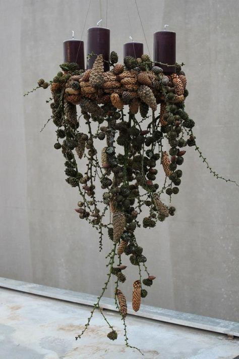 Hanging advent wreath - such a extraordinary idea /// Hängender Adventskrank - tolle außergewöhnliche Idee