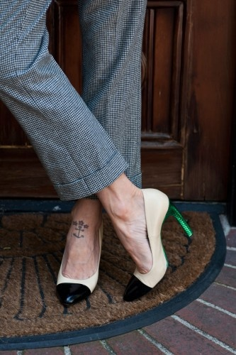 A cool LA couple shows off their home. Photos by Molly Cranna.Tattoo Placements, Http Cartoon951 Blogspot Com, Fashion Conscious, Green Heels, Pants, Anchor Tattoos, Anchors Tattoo, Wear, Shoes Heels