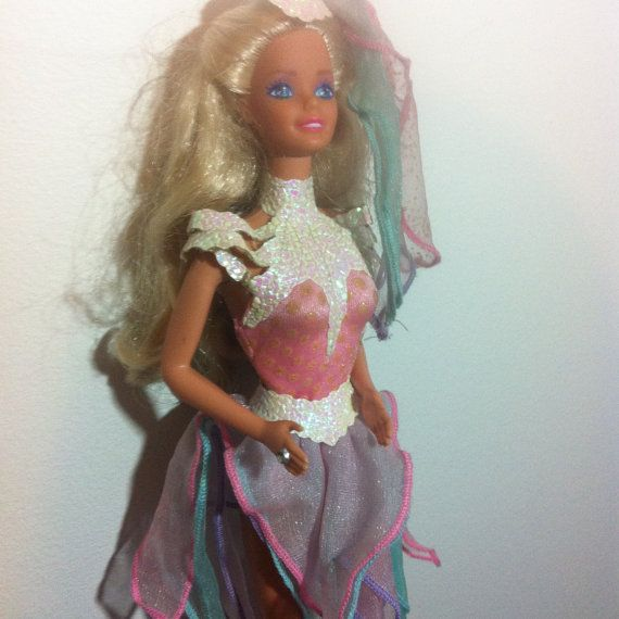 Vintage Ice capades Barbie doll toy 1980s. I remember the outfit, think I still have so I must've had her!
