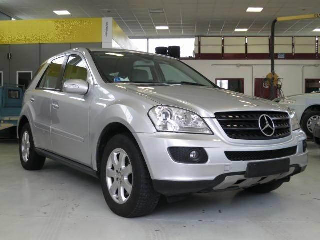 Mercedes-benz Ml 320 CDI 4Matic 7G-TRONIC a 19.500 Euro | Fuoristrada | 132.280 km | Diesel | 165 Kw (224 Cv) | 12/2007