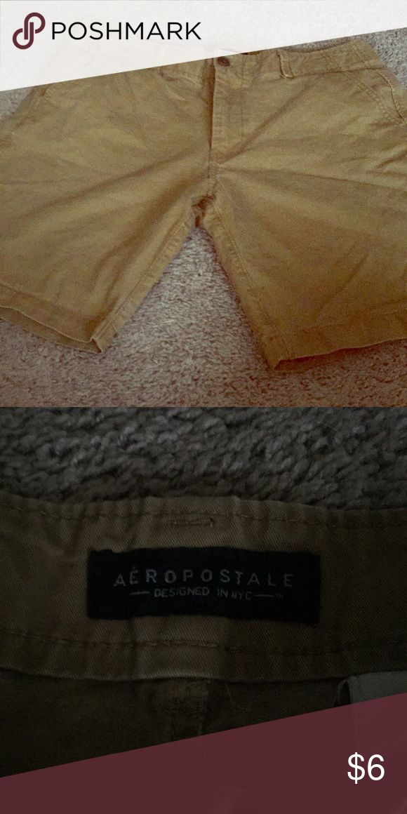 Men's khaki shorts Men's khaki shorts size 33 Aeropostale Shorts Flat Front