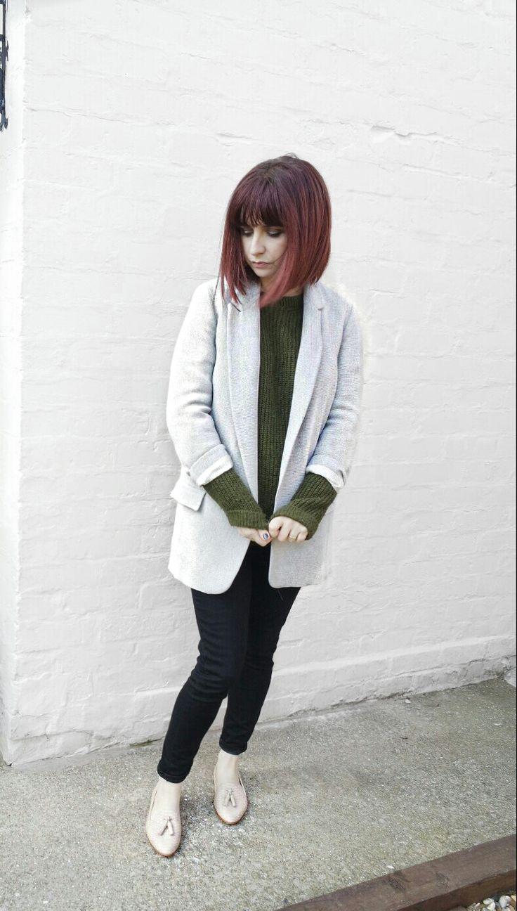 Zara Longline Blazer, khaki Green Jumper, black jeans and Embossed Nude slippers Zara Spring Capsule wardrobe