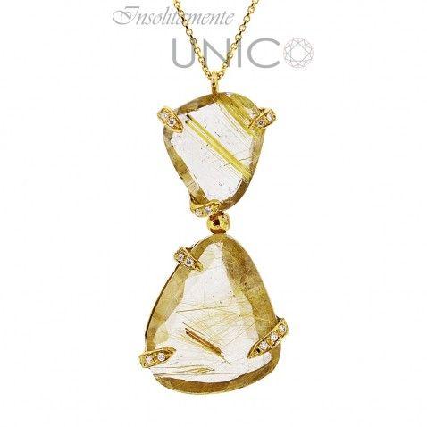 Ciondolo in oro giallo con quarzo rutilato e brillanti. Acquistabile online: bit.ly/20qMfXo