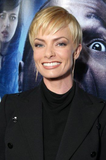 Jaime Pressly Books Major Arc on CBS' 'Mom' | Hollywood…