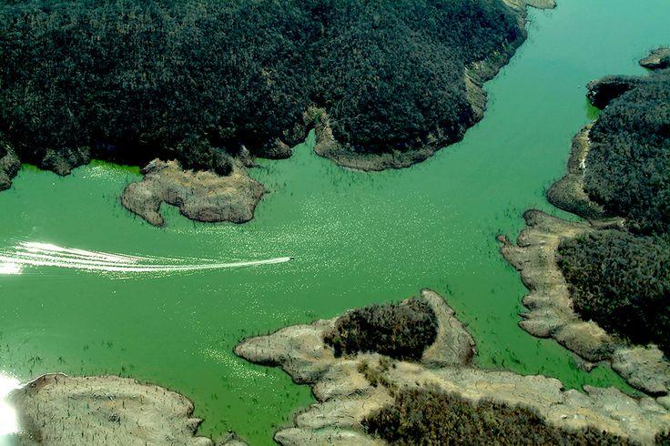 La Presa Aurelio Benassini mejor conocida como El Salto, es considerada como una de las presas más impresionante del noroeste de México, tonto por su capacidad como por su entorno natural.