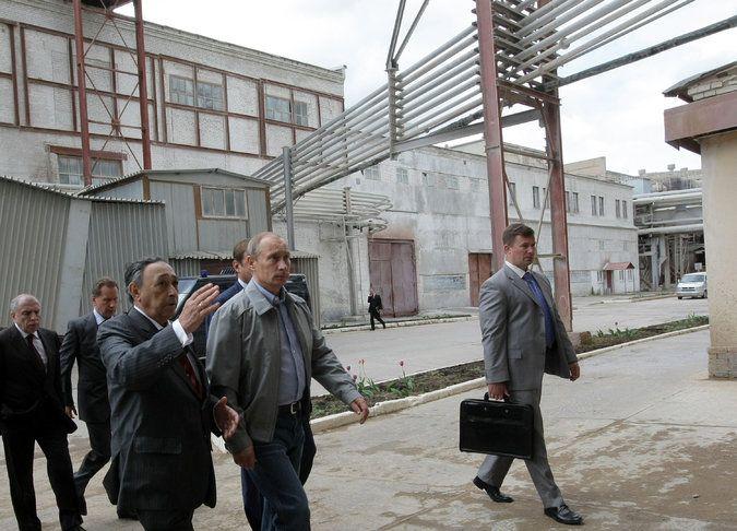 http://www.nytimes.com/2016/05/03/world/europe/russia-economy-putin.html?_r=0