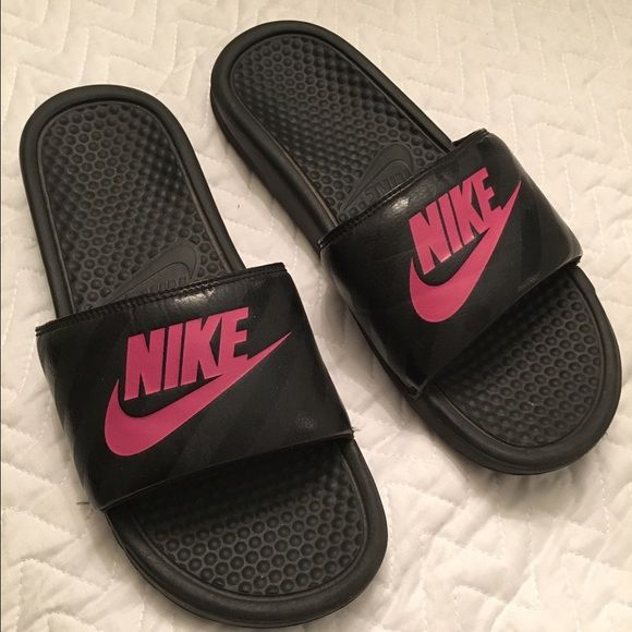cf9304ead0ed ... low cost pink and black nike sandals 02fe9 bc236