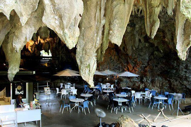 """ときめきカフェ巡り on Twitter: """"【ガンガラーの谷 ケイブカフェ】(沖縄) 沖縄に行ったら一度は行ってみたい、 鍾乳洞の中に作られたカフェ。 ガイドと一緒に周遊するツアーはぜひ参加してみて。 飲食よりも雰囲気を楽しんでね♡ https://t.co/CBo4rrpJOd"""""""