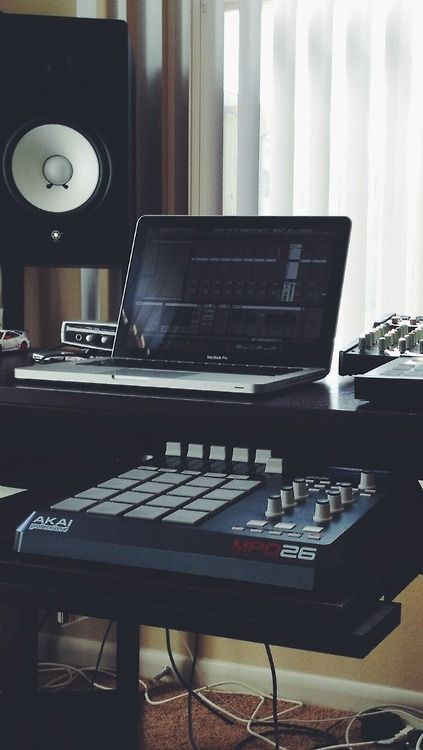 20 Home Studio Recording Setup Ideas To Inspire You... http://www.infamousmusician.com/20-home-studio-recording-setup-ideas-to-inspire-you/ ☮★ DiamondB! Pinned ★☮