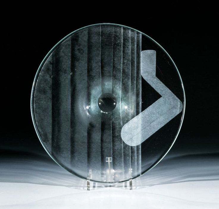 Karel Vanura, glass disk decored with abstract engraving, 1983, D: 38,0 cm