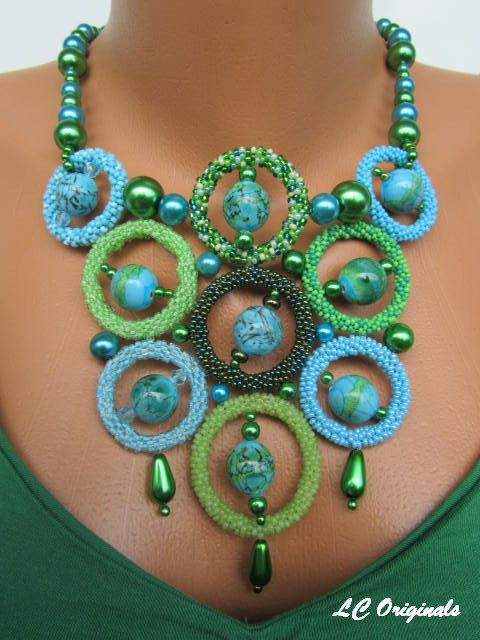 DREAMING of the OCEAN elegant circles beaded glass necklace