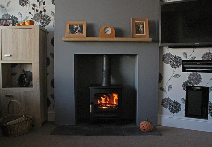 @Charnwood C 5 #woodstove with oak shelf, boarded chamber and slate tiled hearth pic.twitter.com/gVGe8jnYH9
