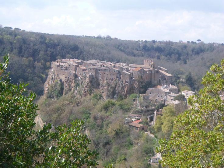 Due bellezze in comune in due regioni differenti che vale la pena di scoprire e visitare per la gioia degli occhi e dello spirito. Liguria e Lazio