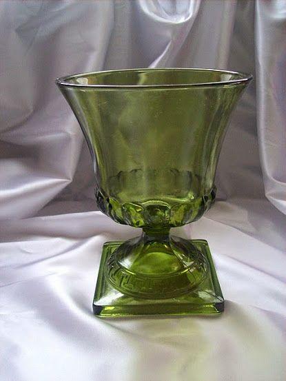 VÁZA VLTAVÍNOVÉ SKLO klasicistní pohárová váza (4149595627) - Aukro - největší obchodní portál