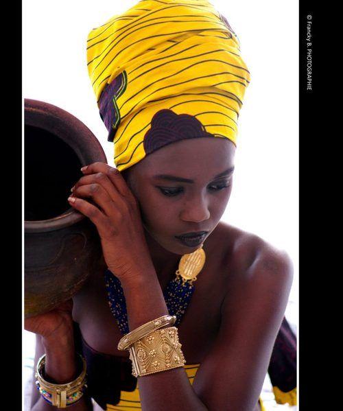 Black Woman!! I And Africa   theonlyonefanta: La porteuse d'eau ...