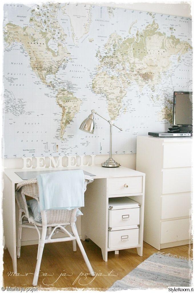 lastenhuone,vaalea sisustus,kartta,seinäkoriste,säilytys,lipasto,valkoinen,työpöytä,korituoli,harmonia,nuoren huone
