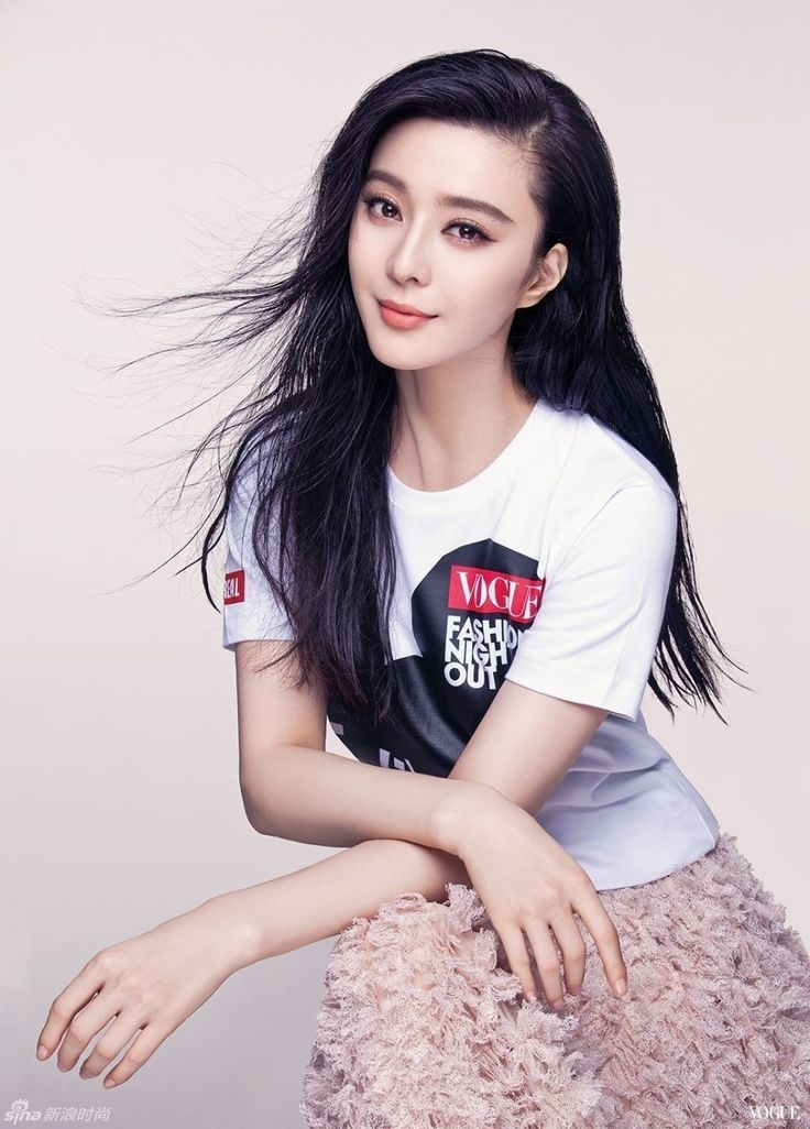 """Looking forward to watching Fan Bingbing in upcoming movie """"Lady in the Portrait,"""" where she stars as the (step)Empress Ulanara? There haven't been many promos released yet, so un…"""