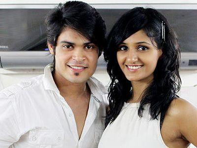 kunwar amar and shakti mohan dating