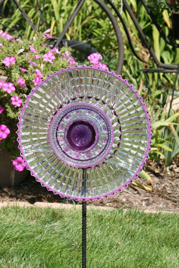 27 best images about flower plates on pinterest for Recycled glass flowers