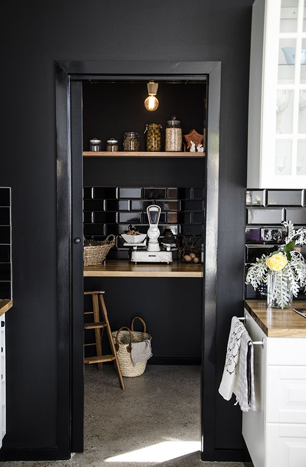 Black pantry - Ive always wanted a black pantry and tiles in the pantry? Why not? Gorgeous!: