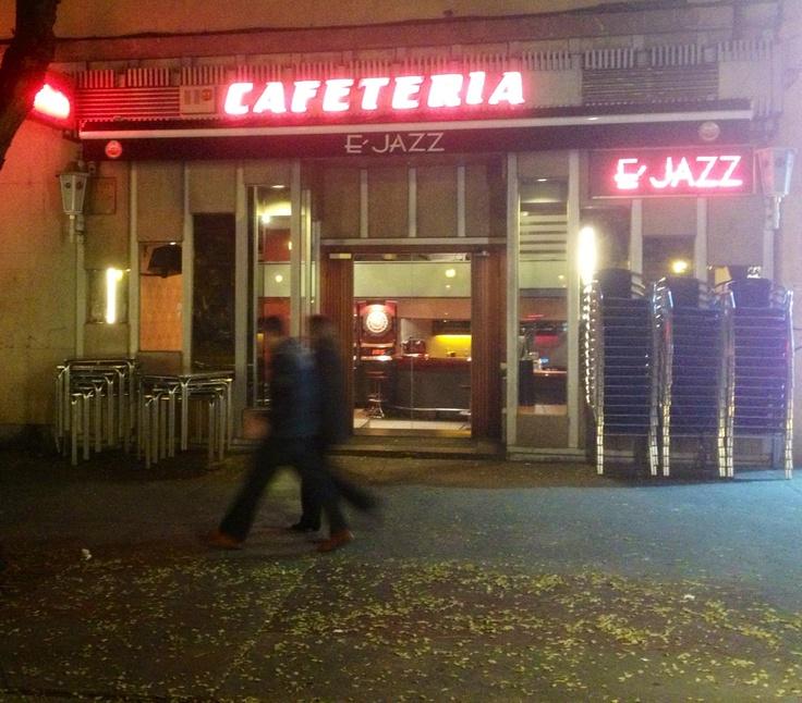 Postalak e 39 jazz vitoria gasteiz c bastiturri for Kutxa oficinas madrid